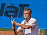 Na tenise